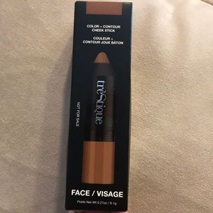New Trestique contour cheek stick